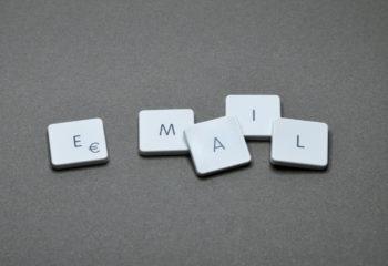 black-and-white-close-up-cubes-email-letters-plastic-350x240 Základní a Mateřská škola Petrovice okres Ústí nad Labem